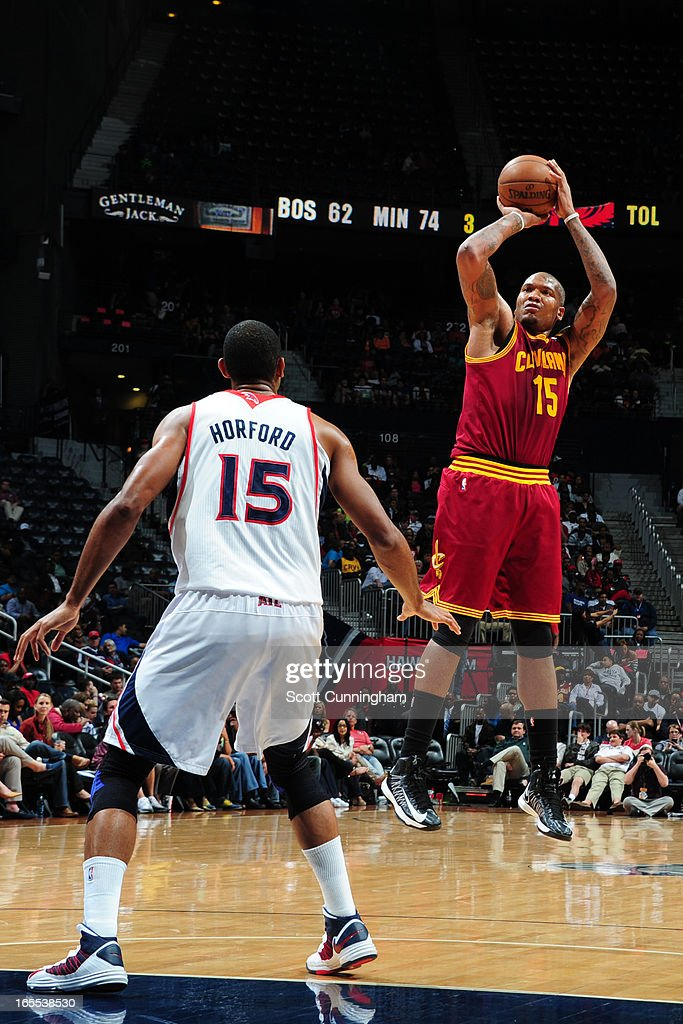 Marreese Speights #15 of the Cleveland Cavaliers takes a shot against the Atlanta Hawks on April 1, 2013 at Philips Arena in Atlanta, Georgia.