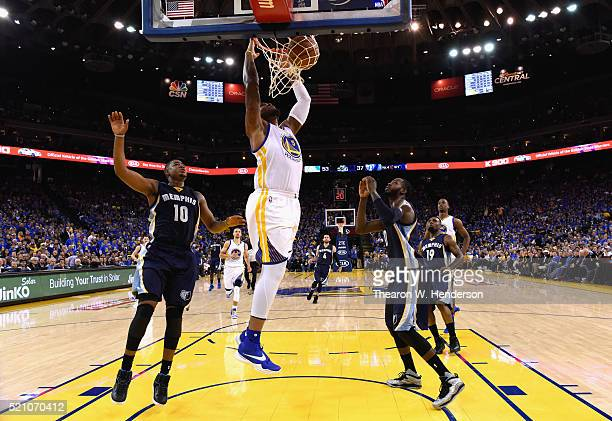 Marreese Speights of the Golden State Warriors dunks the ball during the game against the Memphis Grizzlies at ORACLE Arena on April 13 2016 in...