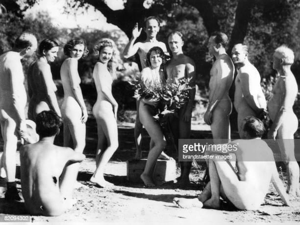 Marriage ceremony of Nudists Photograph Around 1935 [Nudistische Eheschlieung Photographie Um 1935]