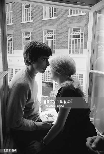 Marriage Of Catherine Deneuve And David Bailey Mariage civil pour Catherine DENEUVE et David BAILEY à la mairie de Saint Pancras à LONDRES le couple...