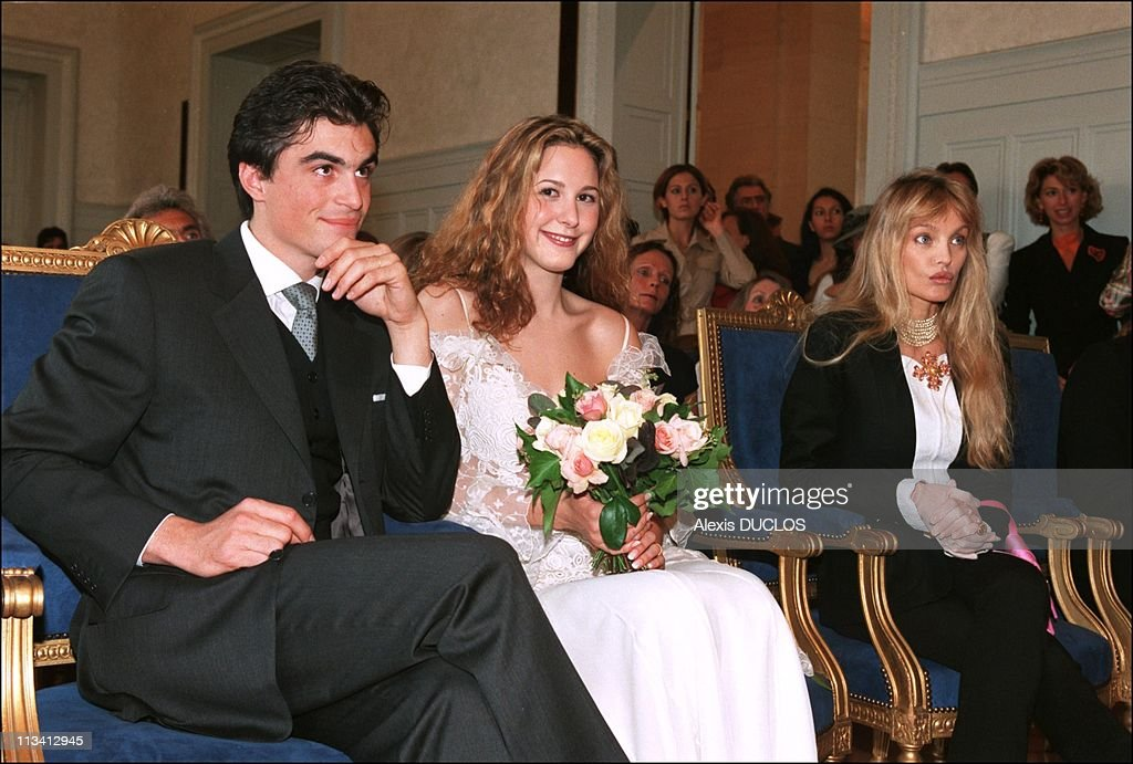 Marriage Of Justine Levy And Raphael Enthoven On September 21st, 1996 In Paris, France. : Fotografía de noticias
