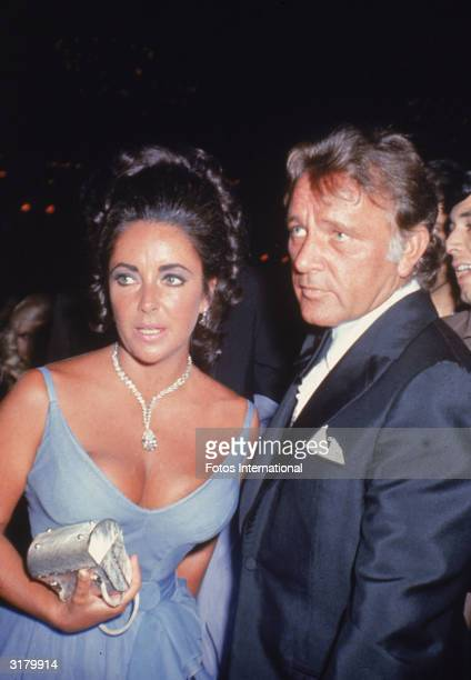 Married actors Elizabeth Taylor and Richard Burton attend the Academy Awards ceremonies, Los Angeles, California, April 7, 1970.