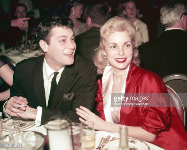 Married American actors Tony Curtis and Janet Leigh circa 1955