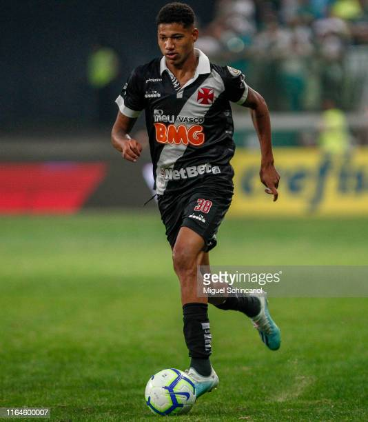 Marrony of Vasco controls the ball during a match between Palmeiras and Vasco for the Brasileirao Series A 2019 at Allianz Parque on July 27 2019 in...