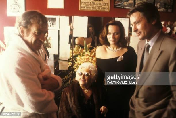 PARIS 3 mars 1987 La première de la pièce 'Kean' mise en scène par Robert HOSSEIN au théâtre Marigny avec JeanPaul BELMONDO et Sabine HAUDEPIN...