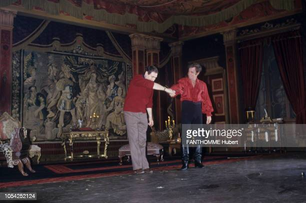 PARIS 3 mars 1987 La première de la pièce 'Kean' mise en scène par Robert HOSSEIN au théâtre Marigny avec JeanPaul BELMONDO et Sabine HAUDEPIN ici...