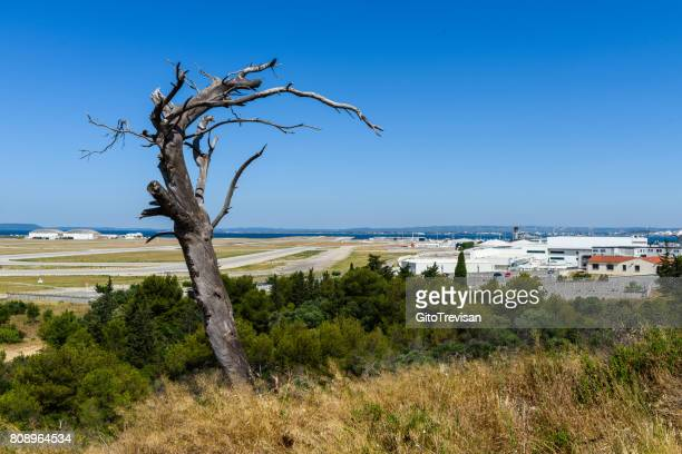 marseille marignane mp2 airport - marignane stock pictures, royalty-free photos & images