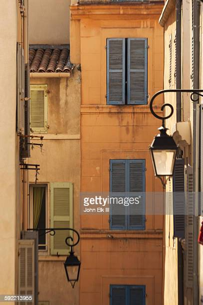marseille, panier district buildings - bouches du rhone stock pictures, royalty-free photos & images