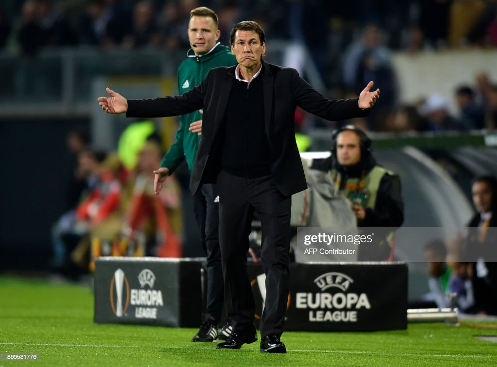 Marseille's coach Rudi Garcia reacts during the UEFA Europa League group I football match Vitoria SC vs Marseille at the D. Afonso Henriques stadium in Guimaraes on November 2, 2017. /