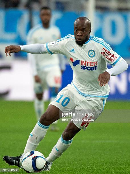 Marseille's French midfielder Lassana Diarra controls the ball during the French L1 football match between Olympique de Marseille and GazelecAjaccio...