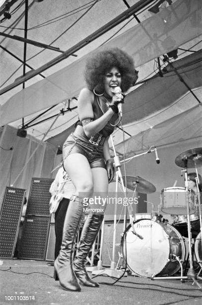 Marsha Hunt sings at The Isle of Wight Music Festival on Saturday 30th August 1969 She is billed as Marsha Hunt and White Trash Later on the same day...