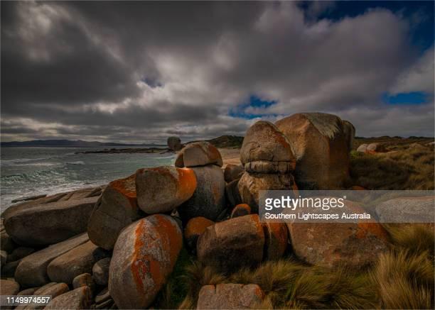 marshall bay, western coastline of flinders island, bass strait, tasmania. - bass strait stock pictures, royalty-free photos & images