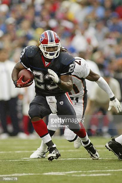 Marshawn Lynch of the Buffalo Bills runs with the ball during the game against the Denver Broncos on September 9 2007 at Ralph Wilson Stadium in...