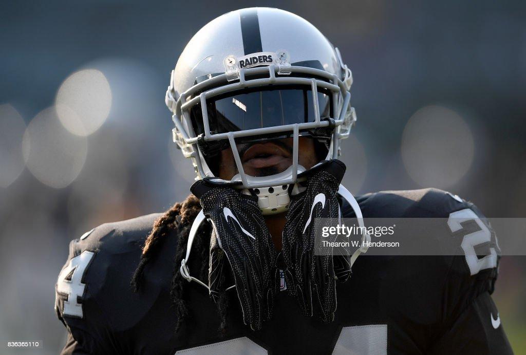 Los Angeles Rams v Oakland Raiders : News Photo