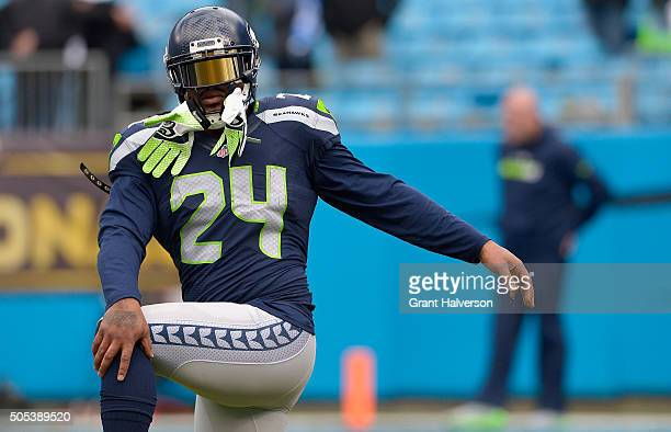 Marshawn Lynch of the Seattle Seahawks warms up prior to the NFC Divisional Playoff Game against the Carolina Panthers at Bank of America Stadium on...