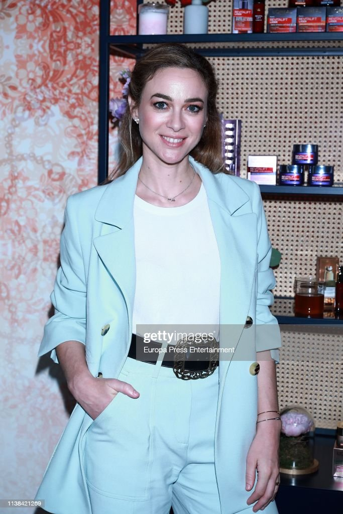 ESP: 'Tu Piel Lo Sabe' By L'Oreal -  Photocall In Madrid
