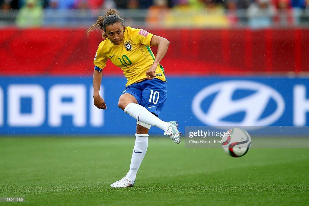 Brazil v Australia: Round of 16 - FIFA Women's World Cup 2015 : News Photo