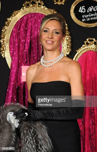 Marta Robles arrives to Telva Magazine Fashion Awards 2008 ceremony held at the Palace Hotel on October 20 2008 in Madrid Spain