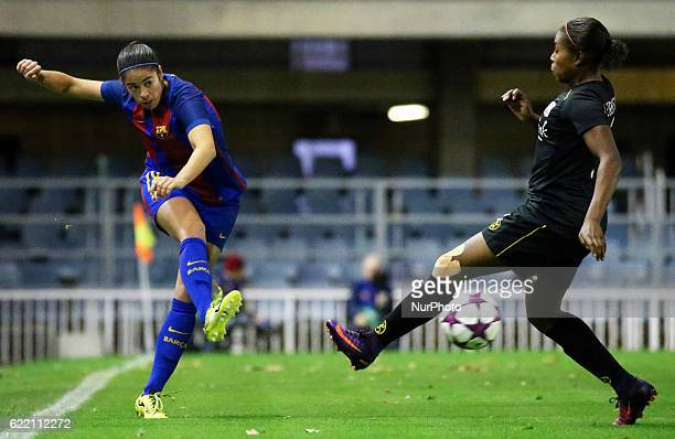 Marta Torrejon and Lineth Beerensteyn during the Womens Champions League match between FC Barcelona and FC Twente on 09 november 2016