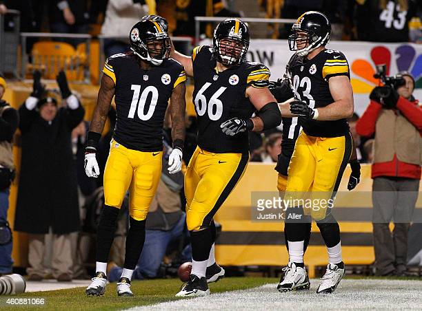 Martavis Bryant celebrates his touchdown with David DeCastro of the Pittsburgh Steelers during the second quarter at Heinz Field on December 28, 2014...