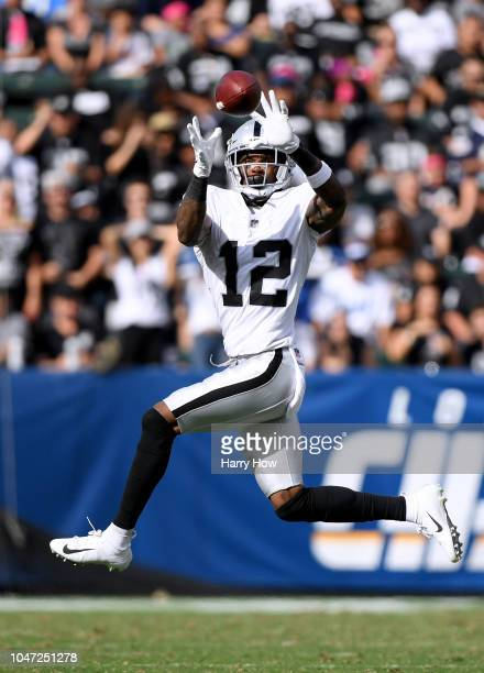 Martavis Bryant of the Oakland Raiders makes a catch at StubHub Center on October 7, 2018 in Carson, California.