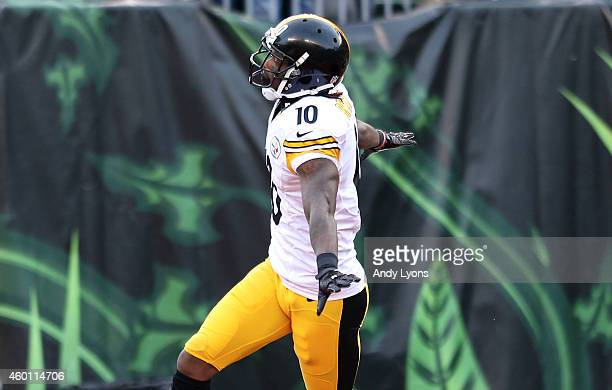 Martavis Bryant of the Pittsburgh Steelers celebrates after scoring a touchdown during the fourth quarter of the game against the Cincinnati Bengals...