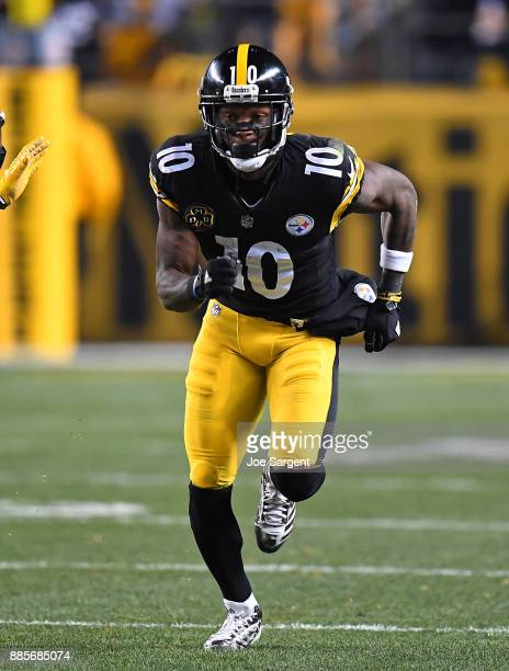 Martavis Bryant of the Pittsburgh Steelers in action during the game against the Green Bay Packers at Heinz Field on November 26 2017 in Pittsburgh...