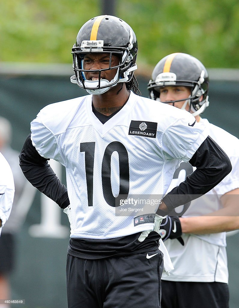 Martavis Bryant #10 of the Pittsburgh Steelers participates in drills during rookie minicamp at the Pittsburgh Steelers Training Facility on May 16, 2014 in Pittsburgh, Pennsylvania.