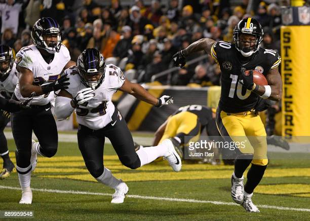 Martavis Bryant of the Pittsburgh Steelers returns a kickoff in the third quarter during the game against the Baltimore Ravens at Heinz Field on...