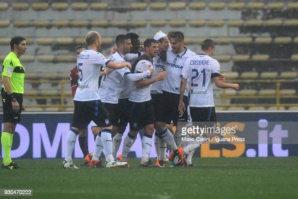 Marten De Roon of Atalanta BC celebrates after scoring a goal during the serie A match between Bologna FC and Atalanta BC at Stadio Renato Dall'Ara...
