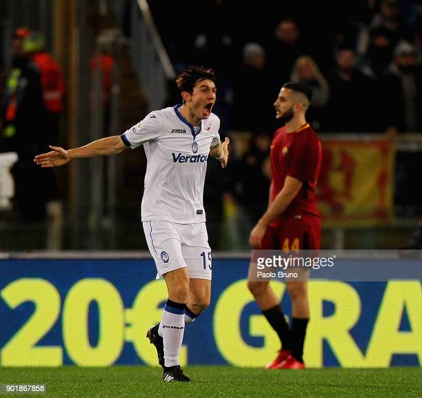 Marten De Roon of Atalanta BC celebrates after scoring the team's second goal during the serie A match between AS Roma and Atalanta BC at Stadio...