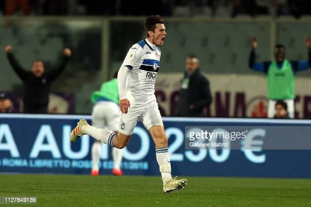 Marten De Roon of Atalanta BC celebrates after scoring the third goal of his team during the Coppa Italia match between ACF Fiorentina and Atalanta...