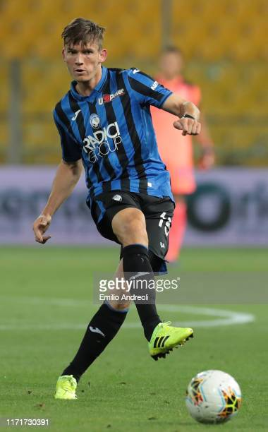 Marten De Roon of Atalanta BC in action during the Serie A match between Atalanta BC and Torino FC at Stadio Ennio Tardini on September 1 2019 in...