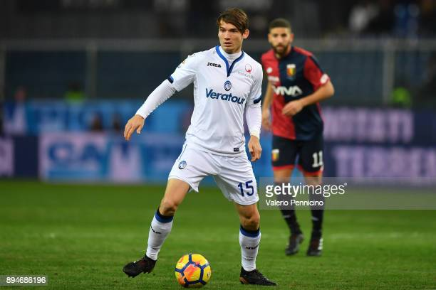 Marten De Roon of Atalanta BC in action during the Serie A match between Genoa CFC and Atalanta BC at Stadio Luigi Ferraris on December 12 2017 in...
