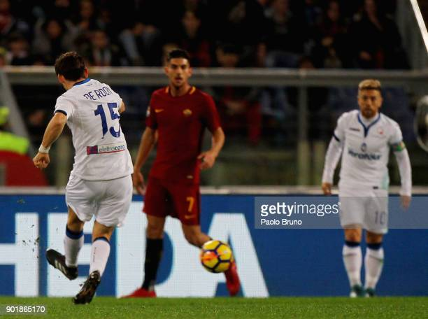 Marten De Roon of Atalanta BC scores the team's second goal during the serie A match between AS Roma and Atalanta BC at Stadio Olimpico on January 6...