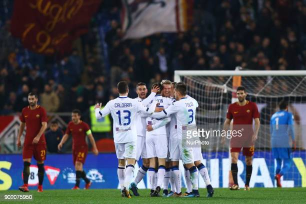 Marten De Roon of Atalanta celebrates with the teammates after the goal of 02 scored during the serie A match between AS Roma and Atalanta BC at...