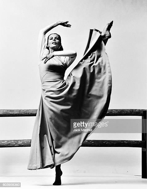 Martha Graham dancer Ethel Winter performing Frontier 1964