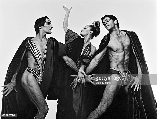 Martha Graham dancers Donlin Foreman, Christine Dakin and Kenneth Topping in Phaedra's Dream, 1988.