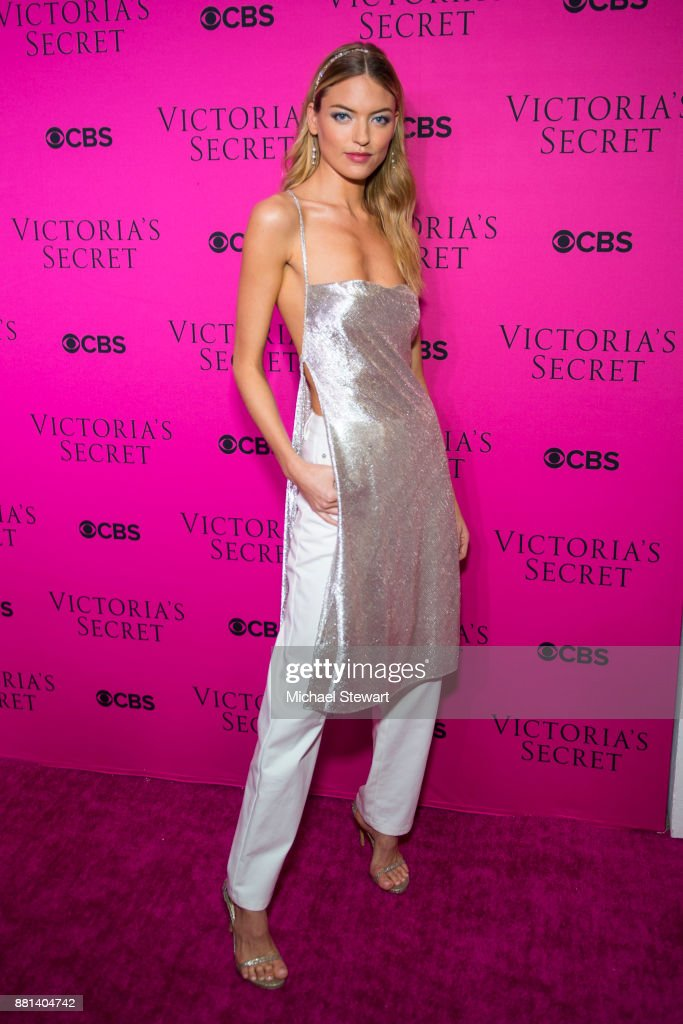 Martha Hunt attends the 2017 Victoria's Secret Fashion Show viewing party pink carpet at Spring Studios on November 28, 2017 in New York City.