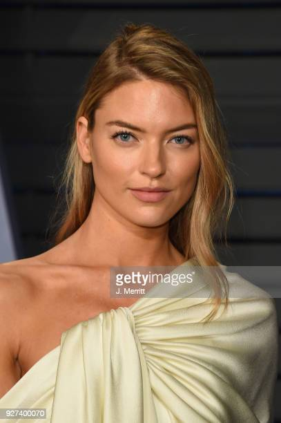 Martha Hunt attends the 2018 Vanity Fair Oscar Party hosted by Radhika Jones at the Wallis Annenberg Center for the Performing Arts on March 4 2018...