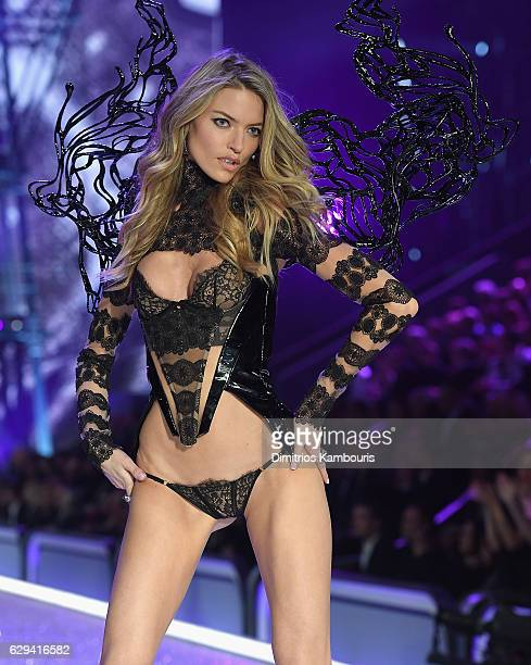 Martha Hunt walks during the 2016 Victoria's Secret Fashion Show on November 30 2016 in Paris France