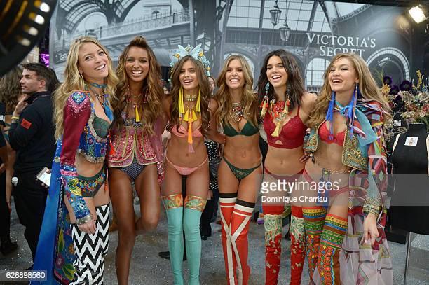 Martha HuntJasmine TookesTaylor Hill Josephine SkriverKendall Jenner and Gigi Hadid pose backstage during 2016 Victoria's Secret Fashion Show on...