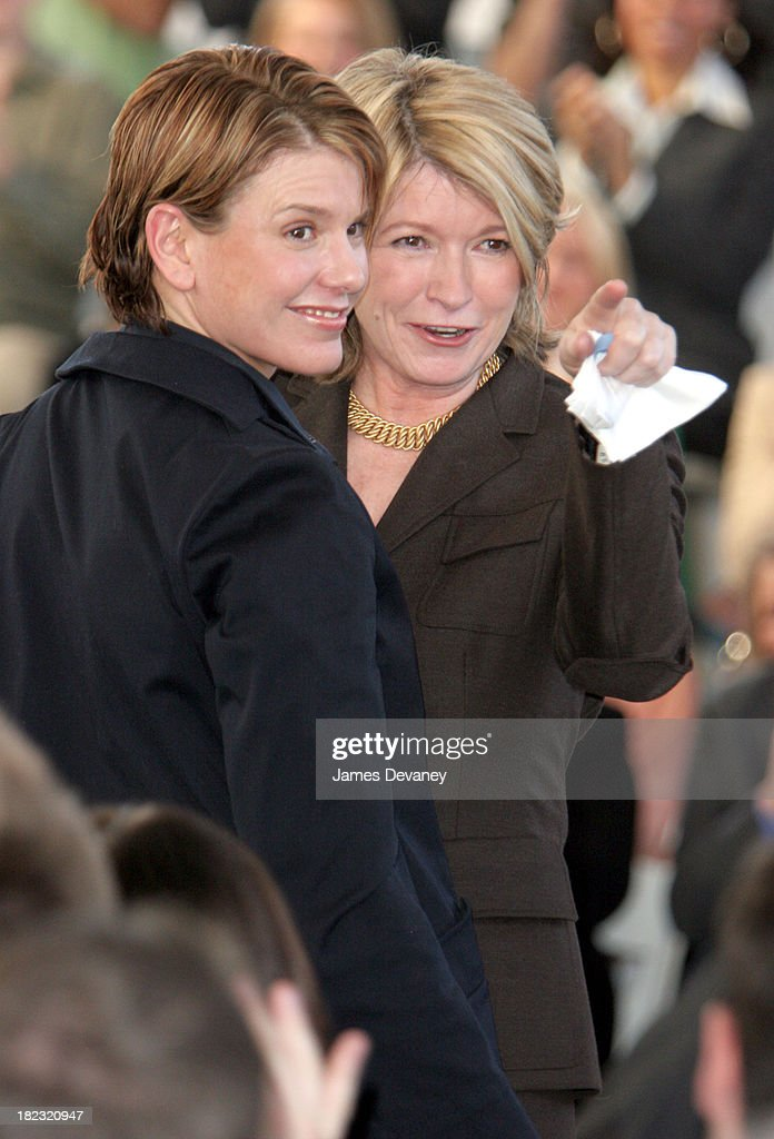 Martha Stewart Returns to Work - Press Conference : News Photo