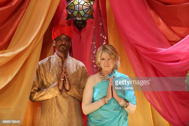 Martha Stewart and Snoop Dogg of VH1's 'Martha Snoops Potluck Dinner Party' are photographed for Los Angeles Times on May 24 2017 in Los Angeles...