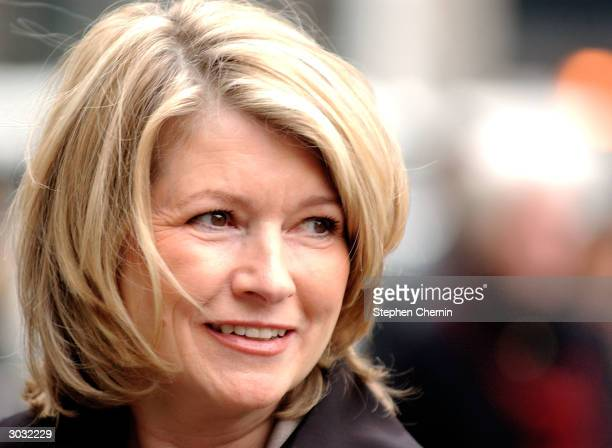 Martha Stewart glances towards onlookers as she arrives at federal court March 2 2004 in New York City In his closing argument Assistant US Attorney...
