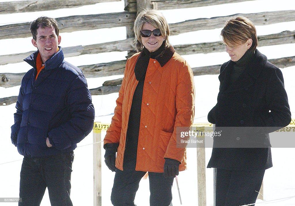Martha Stewart Starts Home Confinement : News Photo
