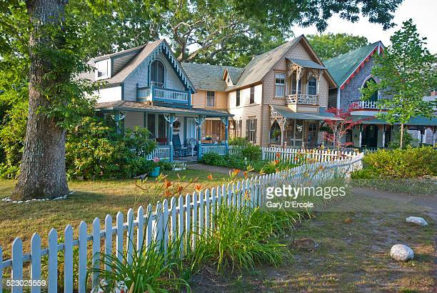 martha's vinyard cottages - martha's_vineyard stock pictures, royalty-free photos & images