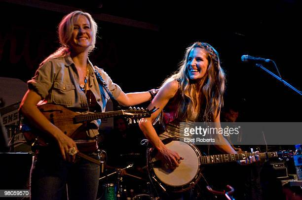 AUSTIN TX MARCH 18 Martie Maguire and Emily Robison of The Court Yard Hounds performing at Antone's during day two of SXSW Festival on March 18 2010...