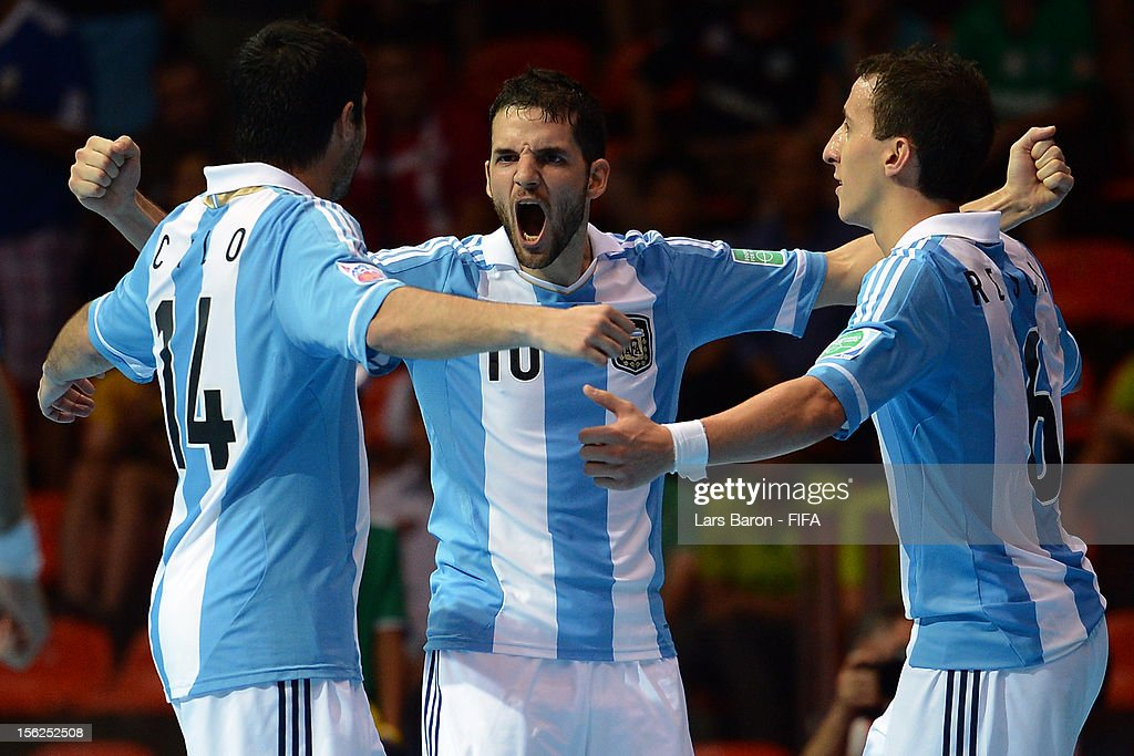 Serbia v Argentina: Round of 16 - FIFA Futsal World Cup Thailand 2012 : News Photo