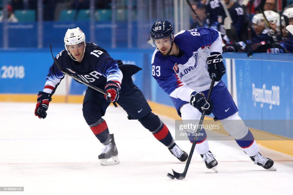Ice Hockey - Winter Olympics Day 7 : News Photo